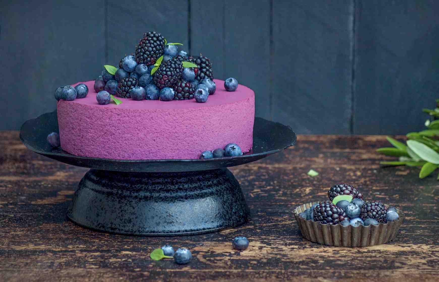 Borůvkový pěnový dort
