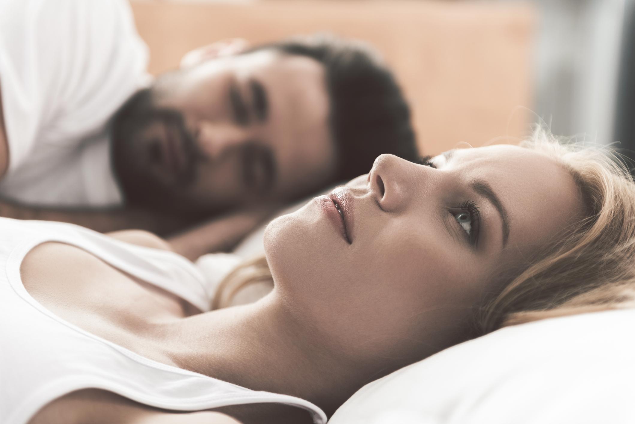 chlupatý zralé asijské porno