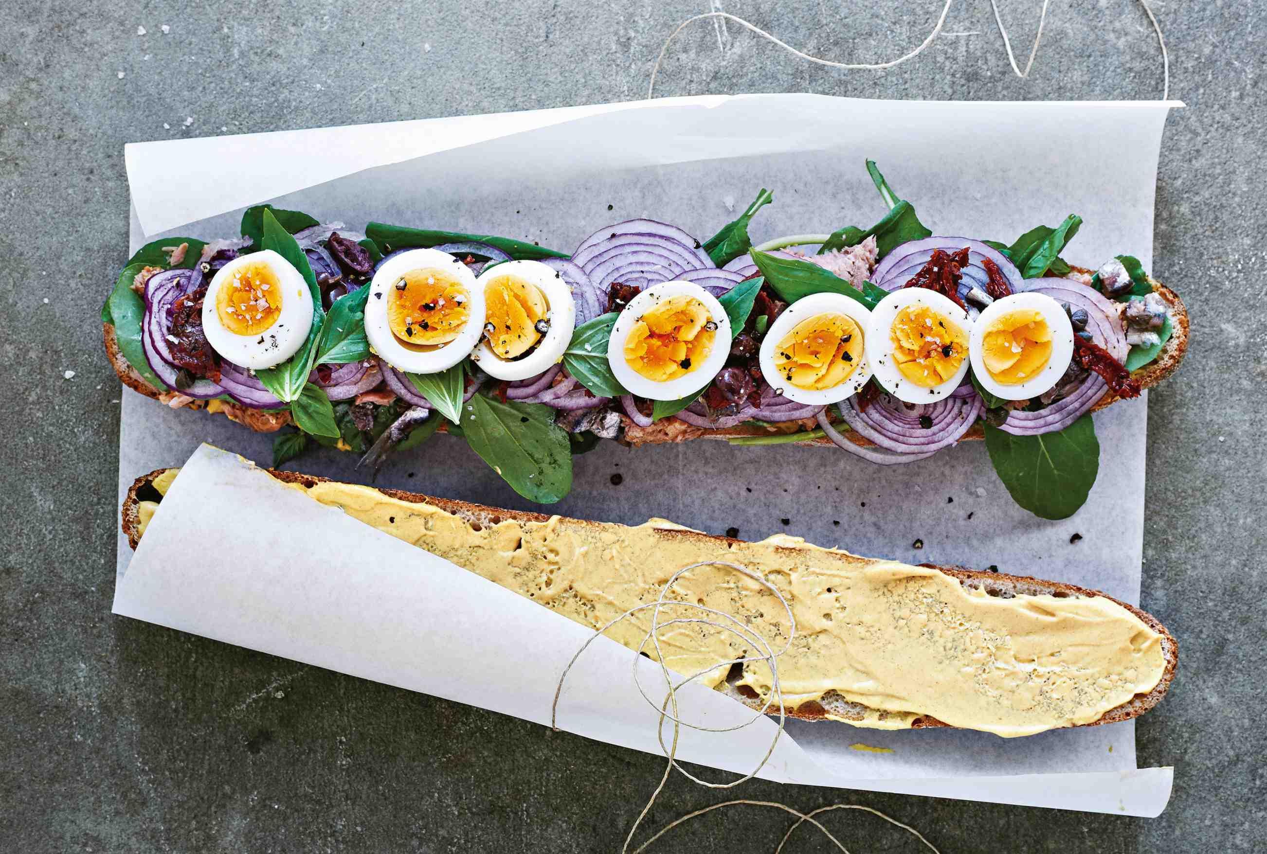 Plněný sendvič pan bagnat