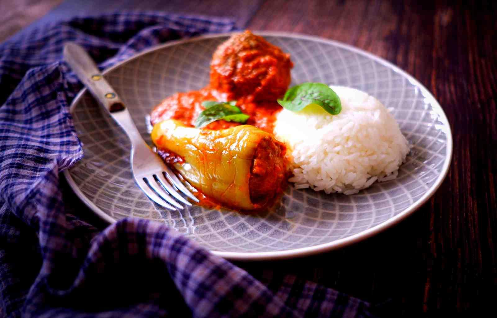 S Klárou vkuchyni: Plněné papriky amasové koule vrajské omáčce