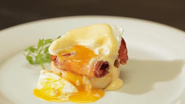 """Ztracená vejce """"Benedikt"""" na toastu"""