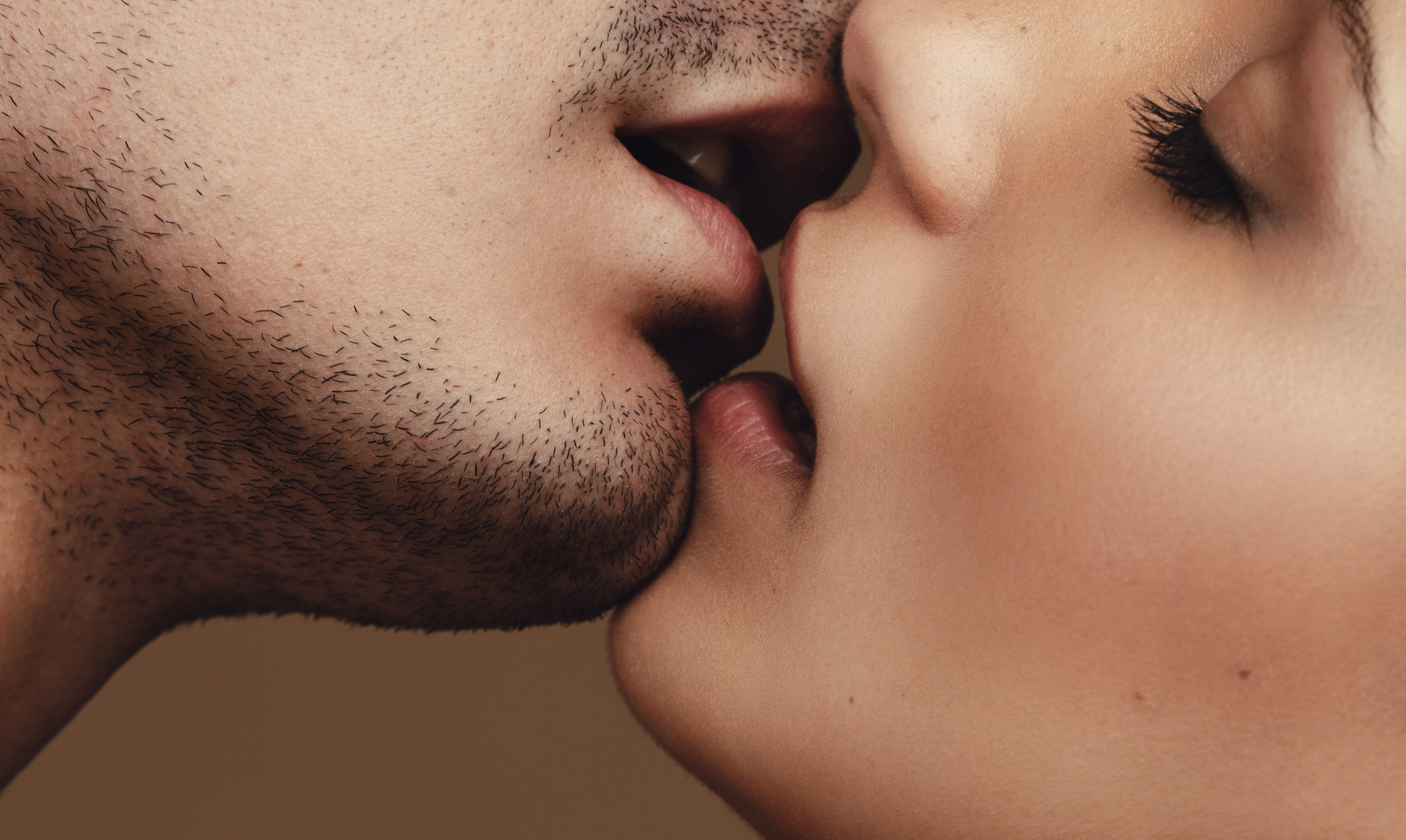 jak líbat randění jezebel dcera datování otce