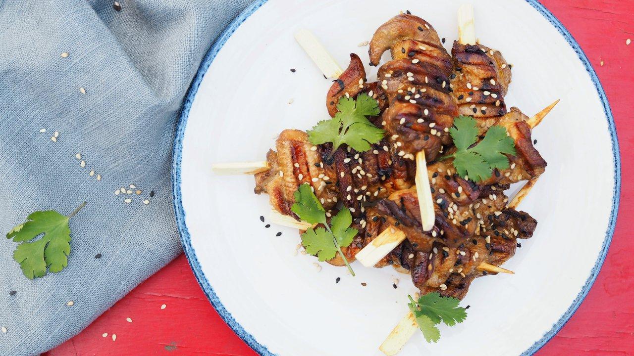 Kuřecí satay s brusinkovou omáčkou