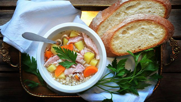 Uzená polévka skroupami