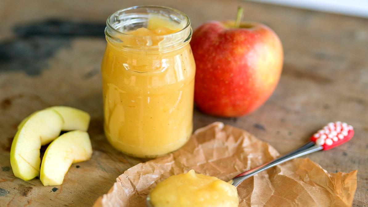 Domácí jablečná přesnídávka