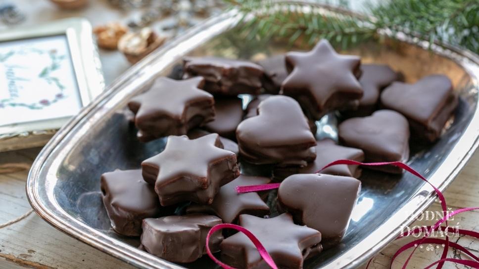 Bezlepkové perníčky sčokoládovou polevou