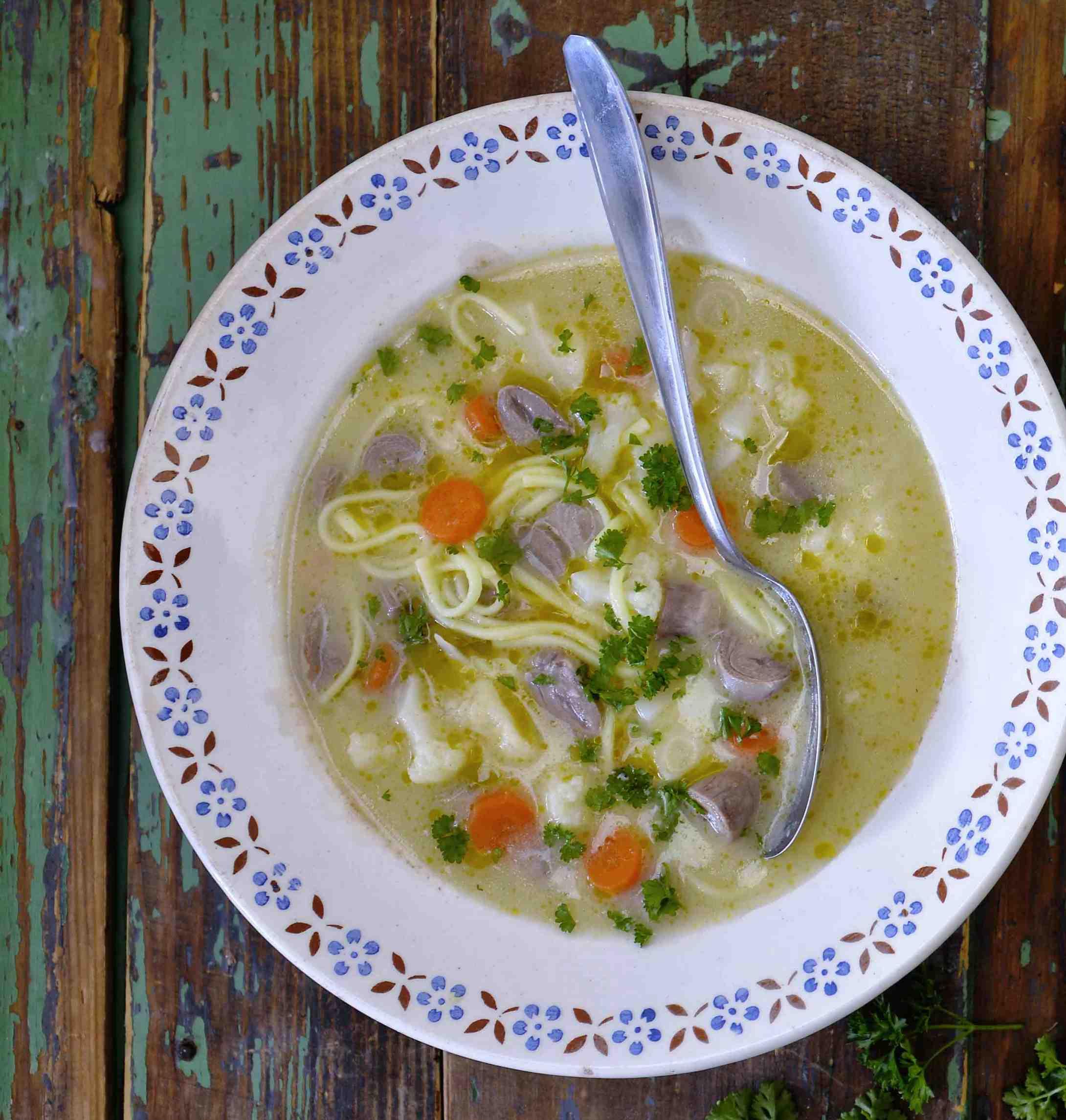 Polévka kaldoun shusími drůbky akvětákem