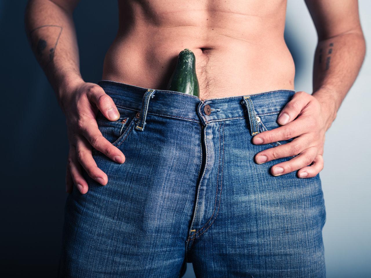 Vychutnaj si túto čajočku v erotickom videu, ktorá dostala riadny mega big penis, najprv do svojej pusy a potom medzi nohy.