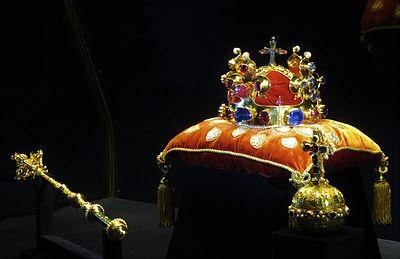 Korunovační klenoty  Britové je našli za rohem ve zlatnictví ... 7409c68973