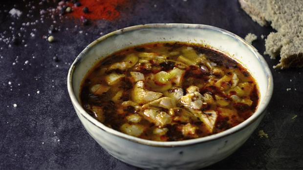 """""""Dršťková"""" polévka z hlívy"""