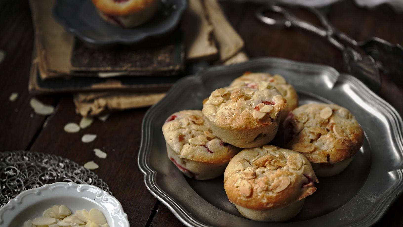Rebarborovo-jahodové muffiny