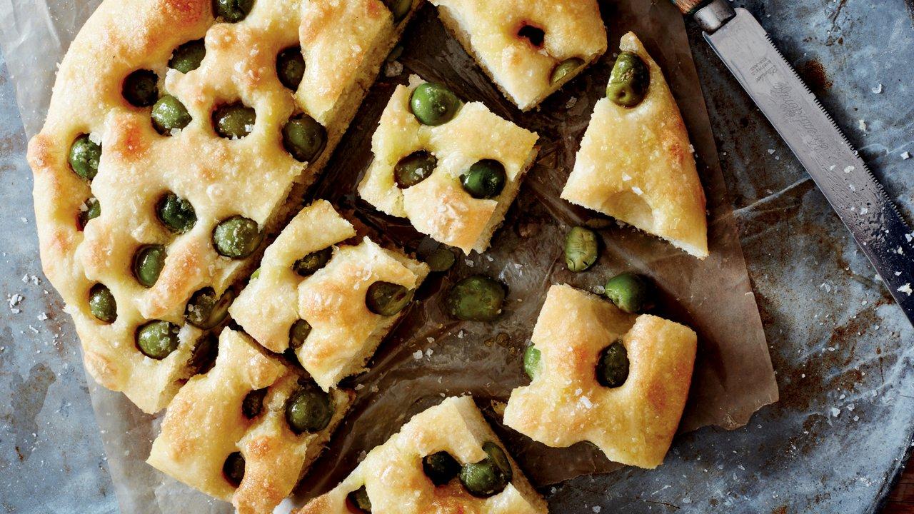 Bramborovo-olivová focaccia - Focaccia con patate e olive