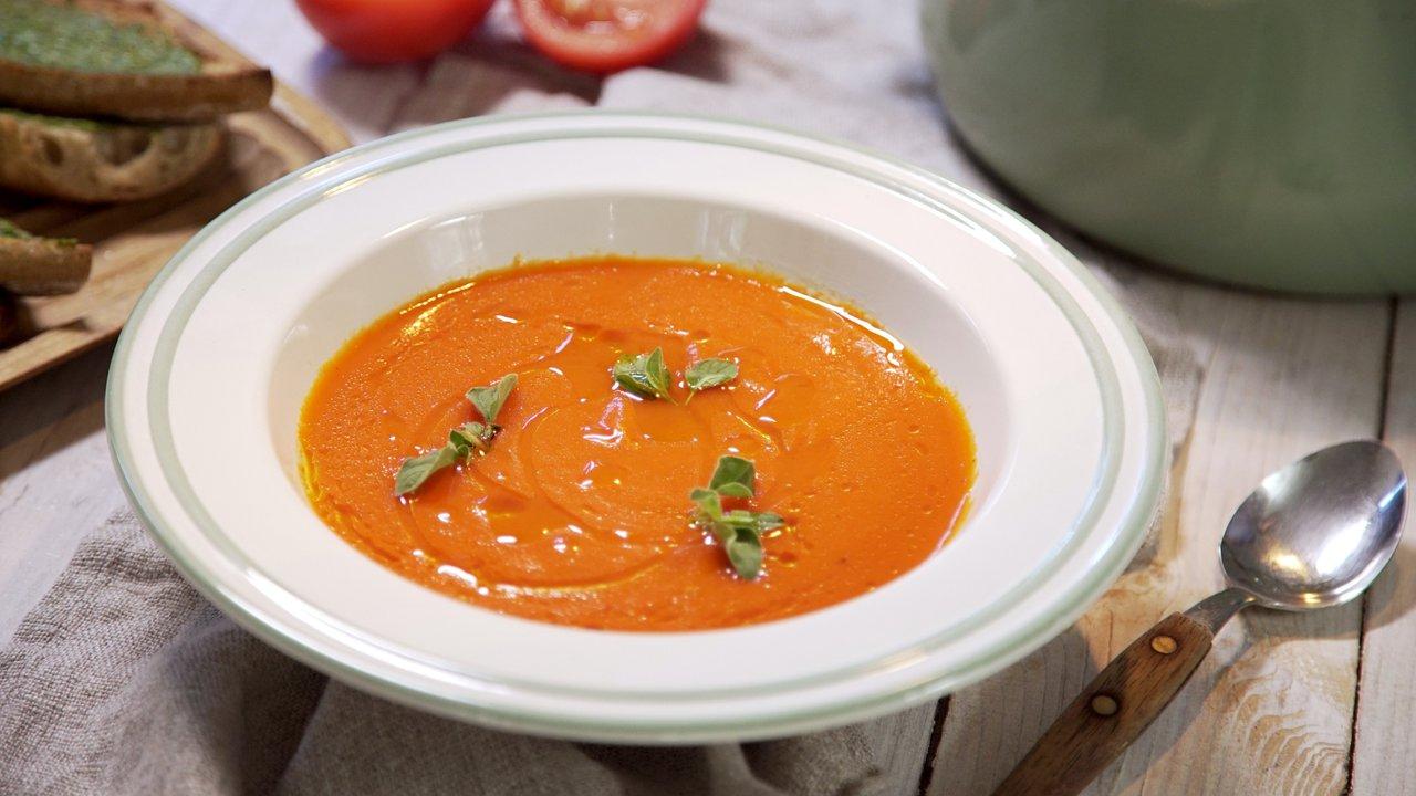 Polévka z pečených rajčat apaprik