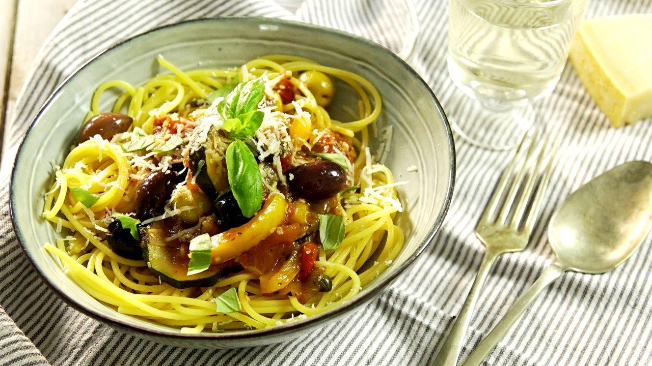 Kukuřičné špagety s jižní zeleninou