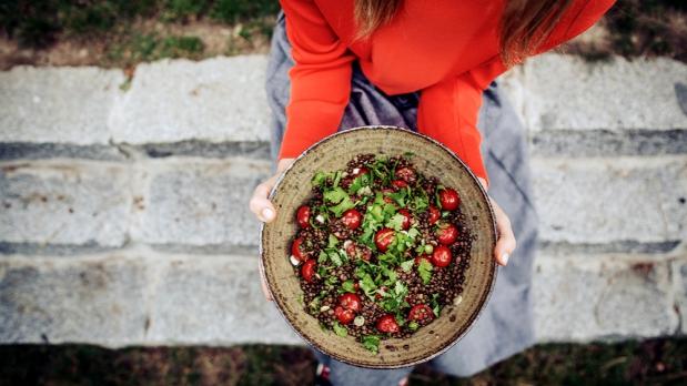 Čočkový salát srajčaty akoriandrem