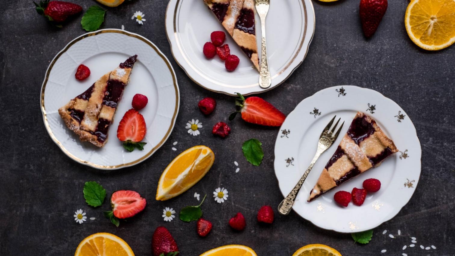 Italský koláč smalinovou marmeládou