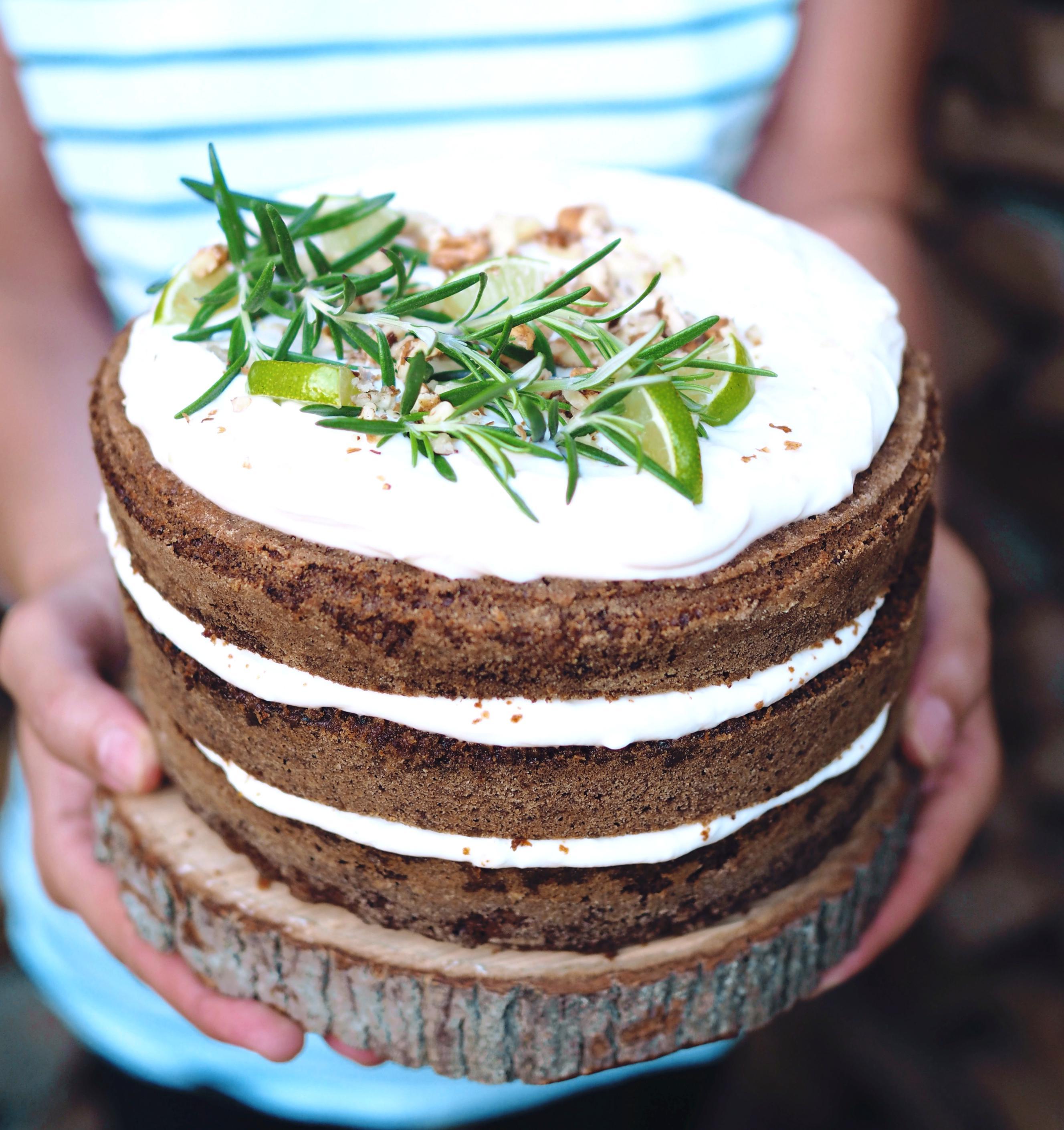Jednoduchý mrkvový dort stvarohovým krémem