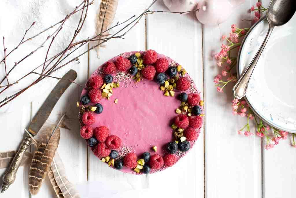 Raw dort sčerstvým ovocem aoříšky