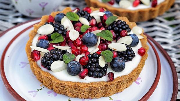 Tartaletky s domácím vanilkovým pudinkem aovocem