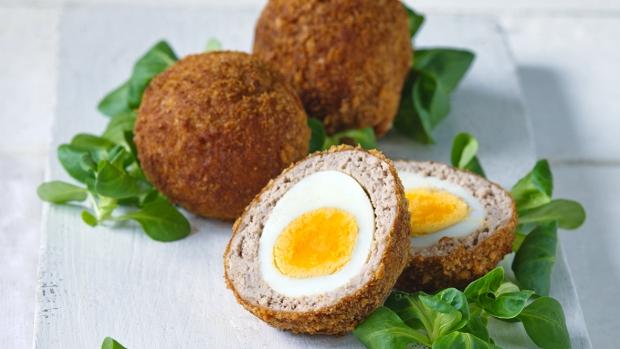 """Skotská """"pštrosí"""" vejce"""