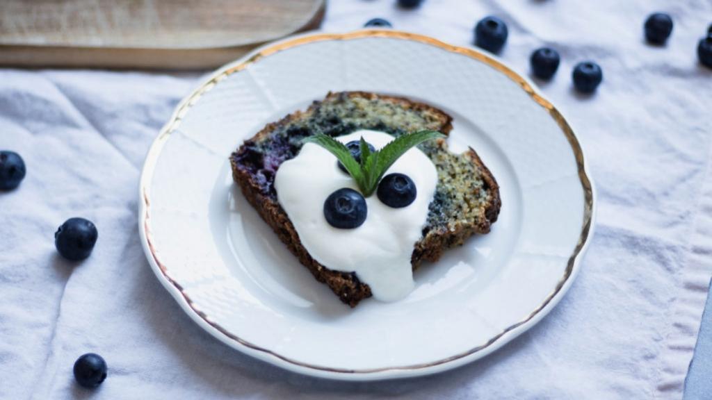 Makovo-borůvkový chlebíček