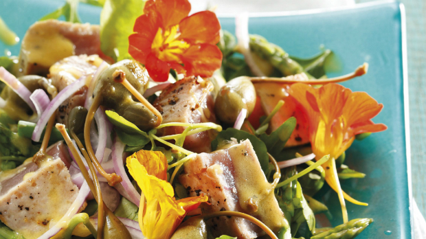 Řeřichový salát Nicoise
