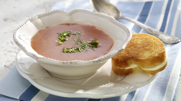 Voňavá polévka z pečeného lilku