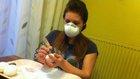 Při vrtání se dost práší, alergici by si raději měli vzít roušku Foto: