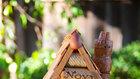 Inspirace pro zručnější – korek je přírodní materiál, tak proč ho nepoužít k výrobě ptačí budky? Foto: