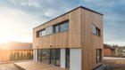 Dům v Budíkově postavený z masivních dřevěných panelů z křížem lepeného dřeva (CLT) spotřebuje méně než 15kWh/m2/rok tepla Foto: