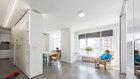 Prosklené terasy jsou do bytu integrované jako arkýře Foto: