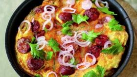 Bramborová omeleta s chorizem  Foto: JamieOliver.com
