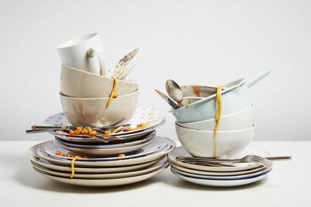 Špinavé nádobí umývejte ihned po jídle Foto:
