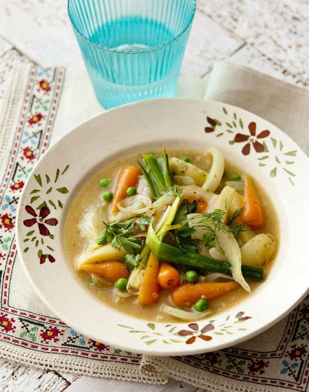 Jarní zeleninový kotlík  Foto: isifa.com