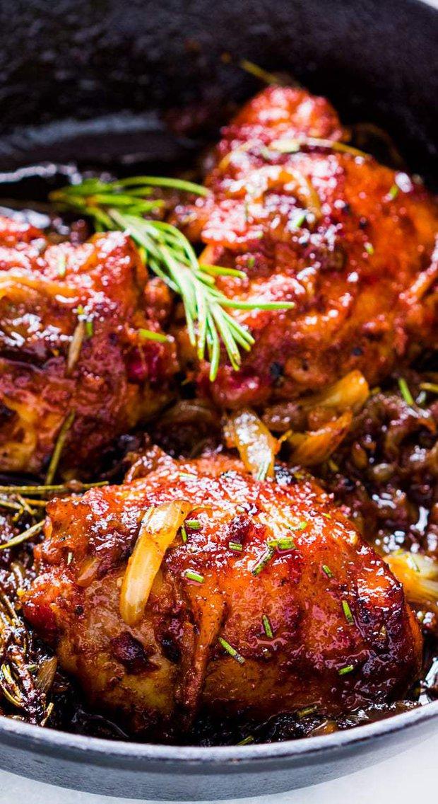 Kuře s karamelizovanou cibulí a rozmarýnem 2 Foto: