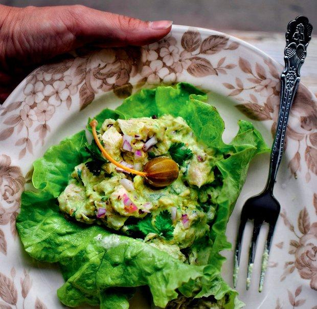 Avokádový salát s kuřetem  Foto: