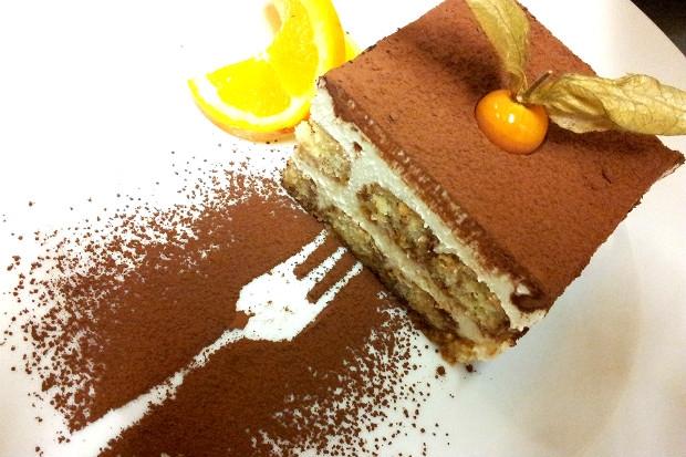 Krémové tiramisu s piškoty Savoyard provoněné italským espressem a pomerančovým likérem, Foto: