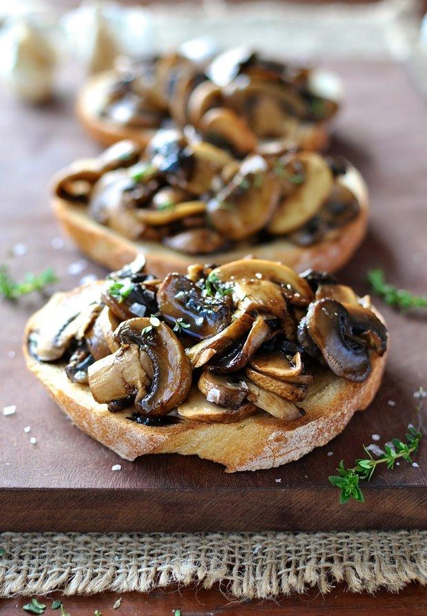 Mushroom-Balsamic-Thyme-Bruschetta Foto: