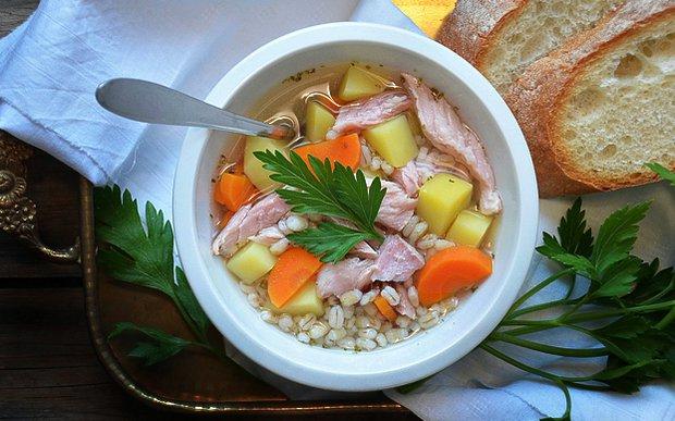 Uzená polévka s kroupami  Foto: