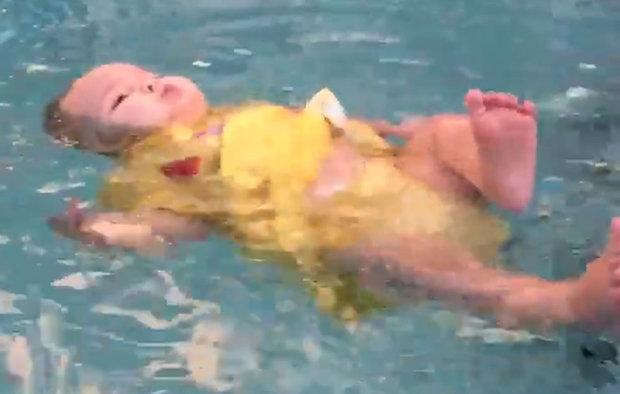 babyswimming Foto: