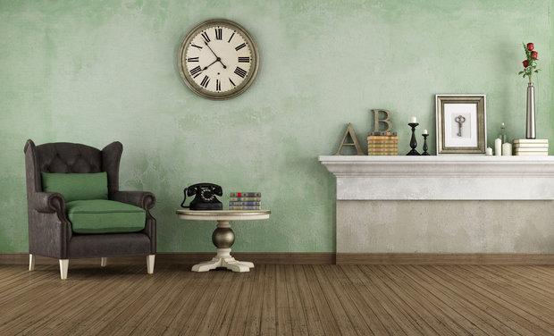 Nostalgicky vyladěný interiér doplňují drobné designové kousky, například váza... Foto: