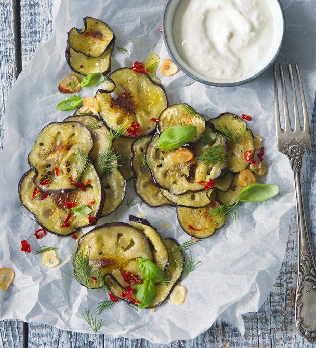 Lilkový salát s bylinkami a jogurtem  Foto: