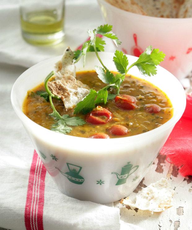 Voňavá čočková polévka s kokosovým mlékem Foto: isifa.com