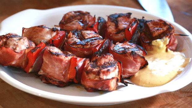 Panenka se slaninou a omáčkou z anglické hořčice  Foto: Marek Dienstl