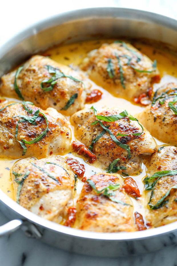 Kuře v krémové omáčce se sušenými rajčaty  Foto: