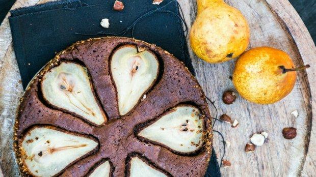 Čokoládový koláč s hruškami (bez mouky) Foto: