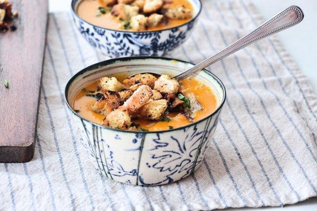 Dýňovo-jablečná polévka s ořechy 2 Foto: