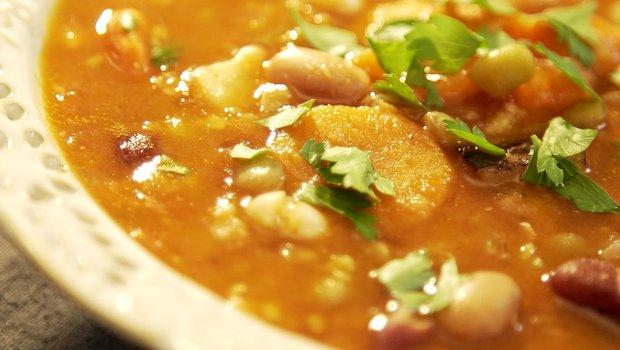 Bohatá luštěninová polévka 2 Foto:
