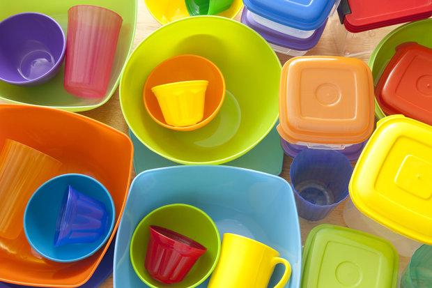 Plastové nádobí můžete s klidem vyhodit Foto: