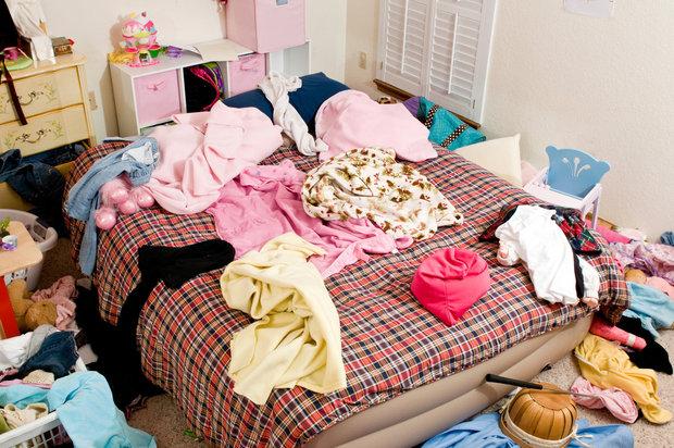 Oblečení uklízejte každý dne večer Foto: